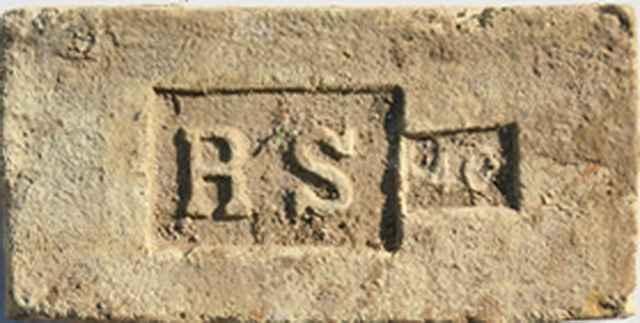 monogramos tégla-RS